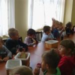 przedszkolaki na dożynkach w Osinach, lekcje regionalizmu